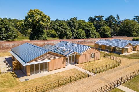 4 bedroom detached bungalow for sale - Sudbourne Park, Suffolk
