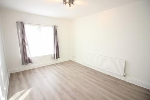 2 bedroom flat to rent - Lincoln Road, Peterborough, PE1 2PF