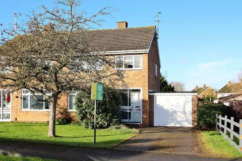 3 bedroom semi-detached house to rent - Crown Drive, Bishops Cleeve, Cheltenham