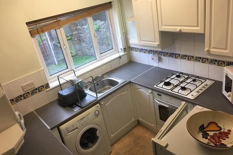 4 bedroom house share to rent - Blackweir Terrace, Cathays, Cardiff