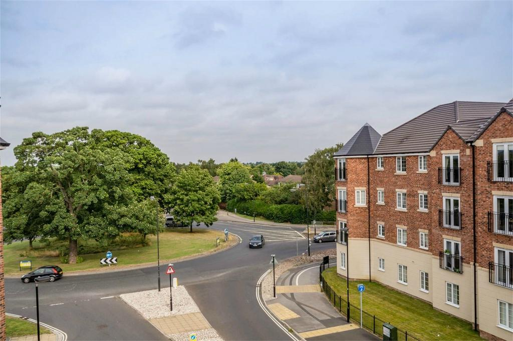 2 Bedrooms Flat for sale in Scholars Court, Principal Rise, Tadcaster Road, York