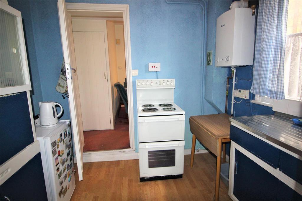 burnt oak broadway edgware 2 bed house for sale 350 000. Black Bedroom Furniture Sets. Home Design Ideas