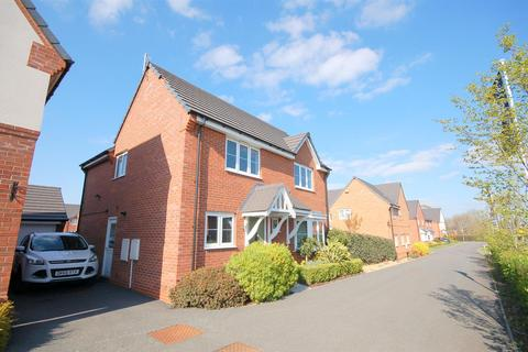 4 bedroom house for sale - Barn Field Close, Crewe