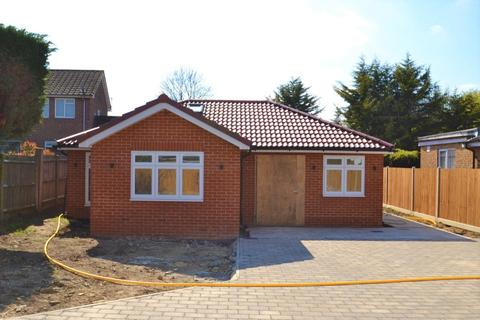 3 bedroom detached bungalow for sale - Theobald Street, Borehamwood