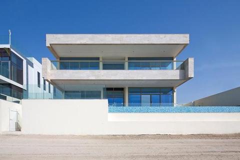5 bedroom detached house  - Frond N, Palm Jumeirah, Dubai UAE