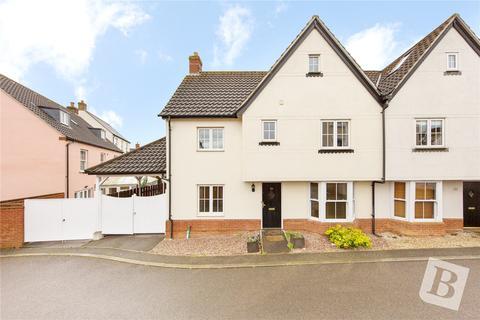 3 bedroom semi-detached house for sale - Cornelius Vale, Chancellor Park, Essex, CM2