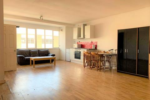 Studio to rent - Greyfriars, Bedford, Bedfordshire, MK40