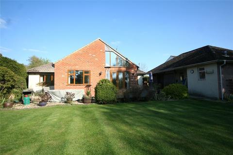 4 bedroom bungalow to rent - Sunnyfield Lane, Up Hatherley, Cheltenham, Gloucestershire, GL51