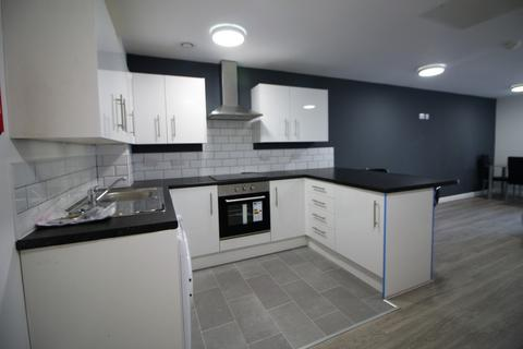 3 bedroom house to rent - Fox Street, Liverpool, L3