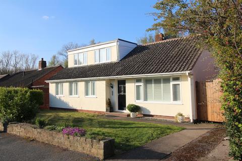 4 bedroom detached bungalow for sale - Allans Meadow, Neston, Cheshire, CH64 9SG