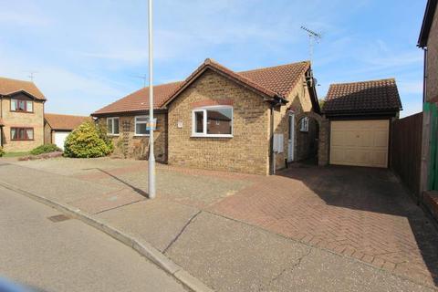3 bedroom bungalow to rent - Kirby Cross , FRINTON-ON-SEA, Essex