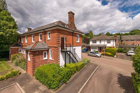 2 bedroom flat for sale - Sherwood House, Abinger Drive, Redhill, Surrey, RH1