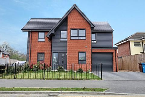 3 bedroom detached house for sale - Parkstone Road, Hull, East Yorkshire, HU6