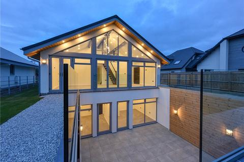 4 bedroom detached house for sale - Lake Drive, Off Tilehouse Drive, Tidbury Green, Solihull, B90