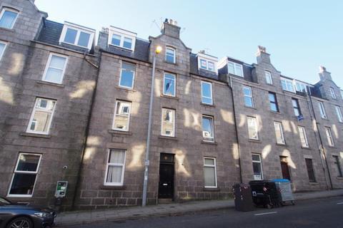 2 bedroom flat to rent - Esslemont Avenue, Top Right ( Floor), AB