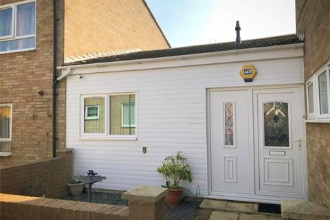 3 bedroom terraced bungalow for sale - Finland Way, Corby, Northamptonshire