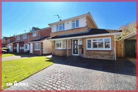 4 bedroom detached house for sale - Bessborough Drive, Grangetown, Cardiff, CF11 8NE