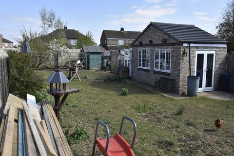 4 bedroom bungalow for sale - Stanground, Peterborough,