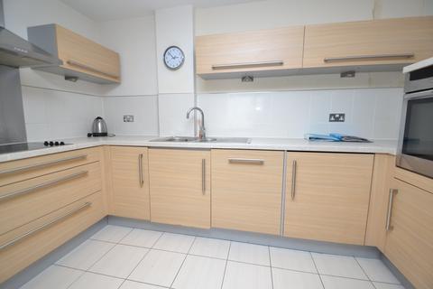 2 bedroom flat to rent - Roma Victoria Wharf, Watkiss Way, Cardiff Bay