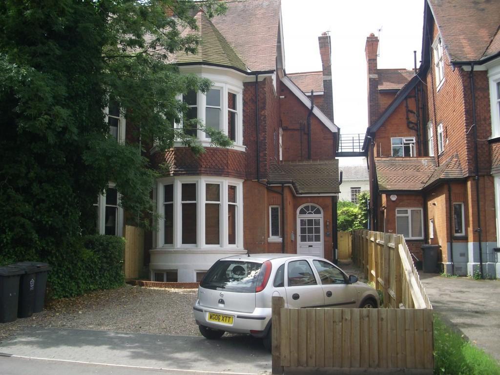 London Road 1 Bed Apartment 163 575 Pcm 163 133 Pw