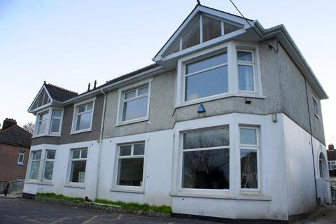 Studio to rent - St Austell