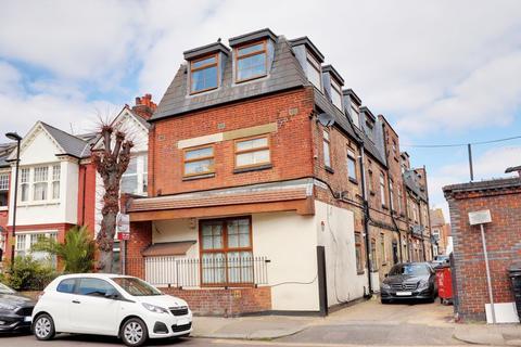 2 bedroom apartment for sale - Spencer Mews, Bowes Park, N13