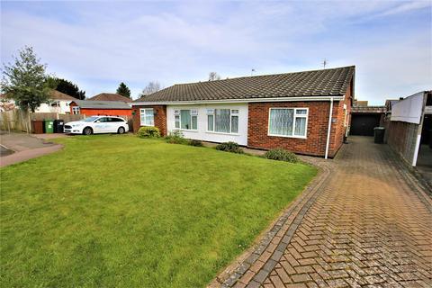 2 bedroom bungalow for sale - Park Way, Coxheath, Maidstone