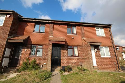 2 bedroom terraced house to rent - Lynchet Close, Hollingdean, Brighton