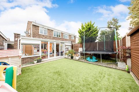 3 bedroom semi-detached house for sale - Alliance Way, Paddock Wood, Tonbridge