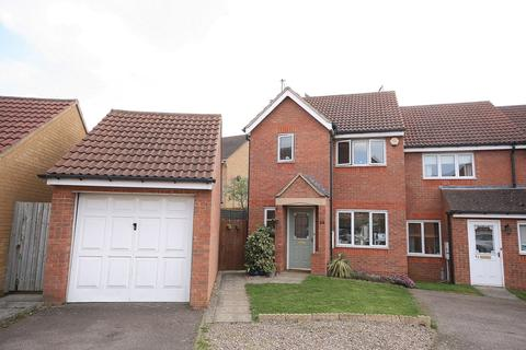 3 bedroom end of terrace house for sale - Farmers Close, Wootton, Northampton, NN4