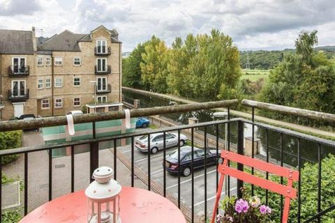 2 bedroom flat to rent - Narrowboat Wharf, Rodley, Leeds