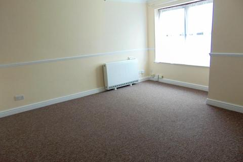 2 bedroom flat to rent - Lancaster Court, Shinfield, Reading