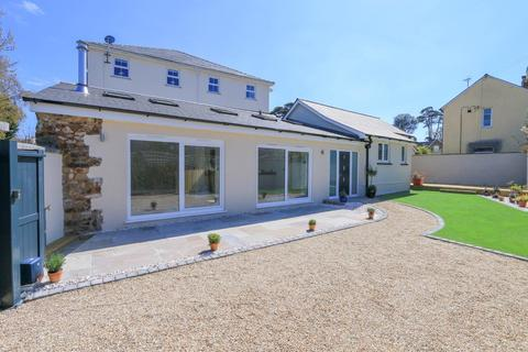 2 bedroom detached bungalow for sale - Avenue Road, Bovey Tracey