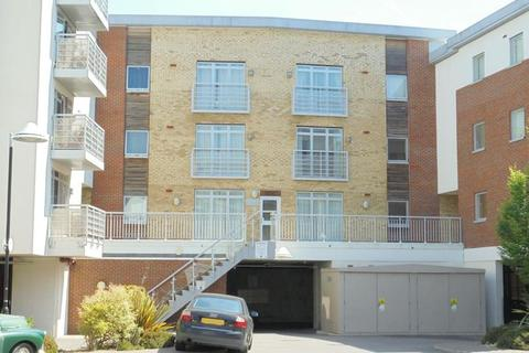 1 bedroom flat for sale - Kingfisher Meadow, Maidstone, Kent, ME16 8RD
