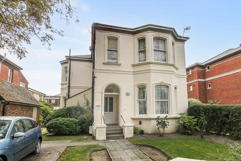 2 bedroom apartment for sale - Byron Road, Worthing BN11 3HN