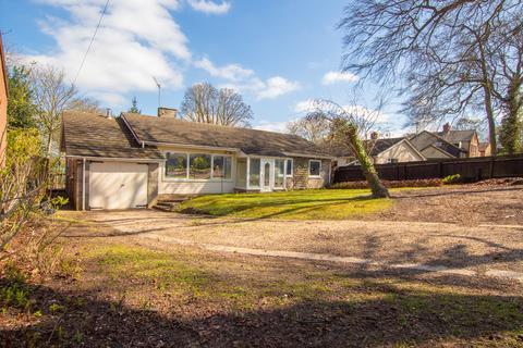 4 bedroom detached bungalow to rent - Duchess Drive, Newmarket