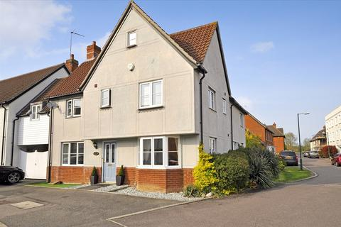 4 bedroom link detached house for sale - Cowdrie Way, Chelmsford