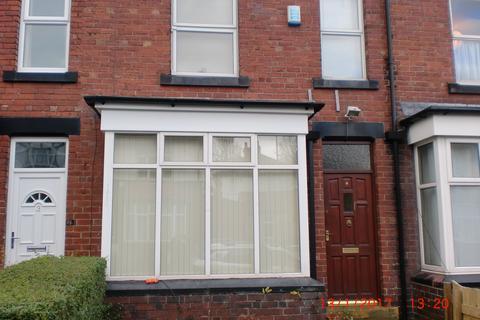 4 bedroom terraced house to rent - Newport Mount, Hyde Park, Leeds LS6