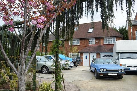 3 bedroom semi-detached house for sale - Hook Road, Epsom, Surrey. KT19 8TX