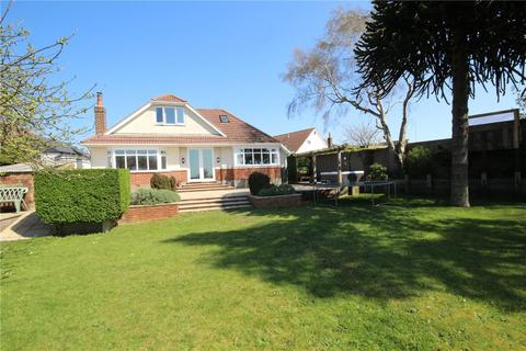3 bedroom detached bungalow for sale - Kinson Avenue, Poole, Dorset, BH15