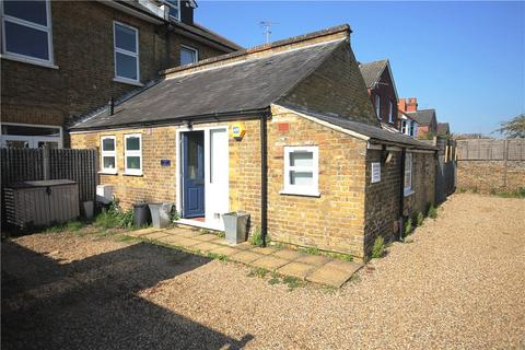2 bedroom semi-detached house for sale - Gresham Road, Staines Upon Thames, Middlesex, TW18