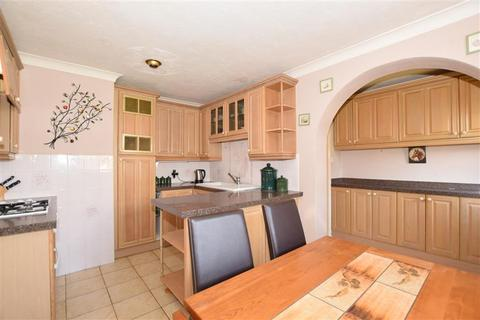 2 bedroom detached bungalow for sale - Copperfield Drive, Langley, Maidstone, Kent