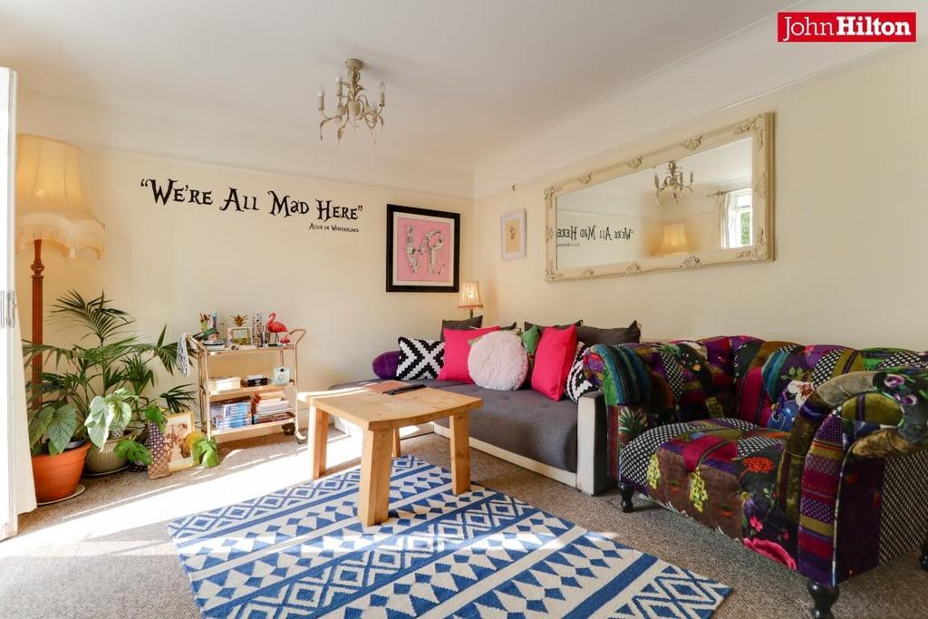 968. Living Room.jpg