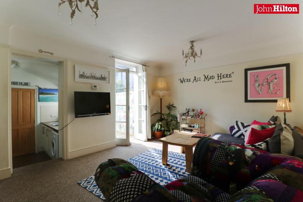 968. Living Room (3).jpg