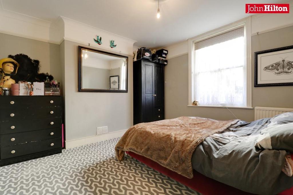 968. Bedroom.jpg