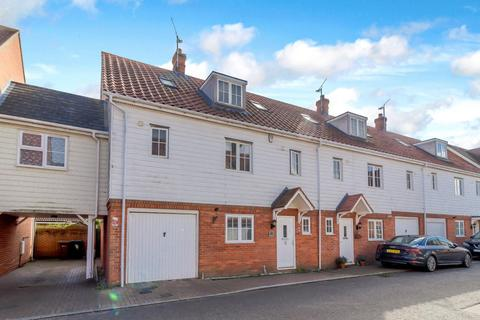 4 bedroom terraced house for sale - Braganza Way, Springfield, Chelmsford