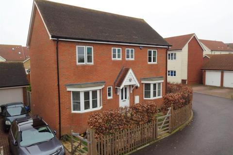 4 bedroom detached house to rent - The Fields, Hoo, Rochester
