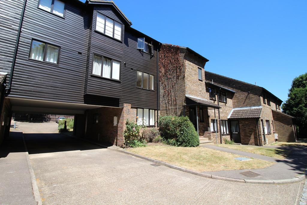 Old Hertford Road Hatfield Al9 2 Bed Apartment 163 950