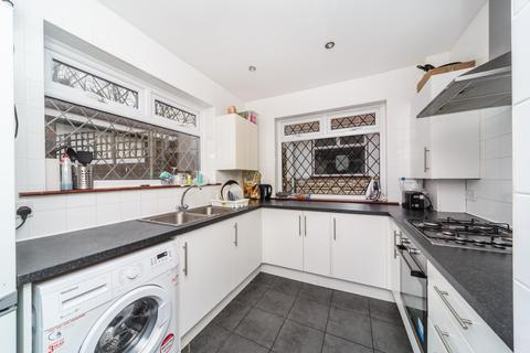 6 bedroom house to rent - Bevendean Crescent, Bevendean, Brighton, BN2