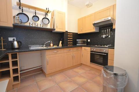 4 bedroom flat to rent - Marionville Road, Edinburgh, EH7 5TX